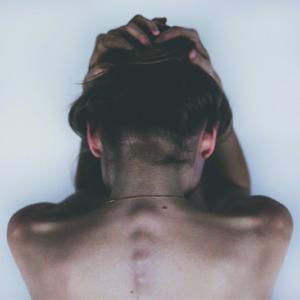 can estrogen help migraines